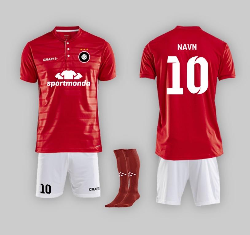 ba76dc33864 Fodboldsæt - design og køb fodboldsæt med eget tryk til jeres hold
